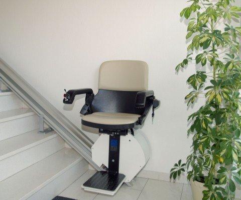 Krzesełka schodowe