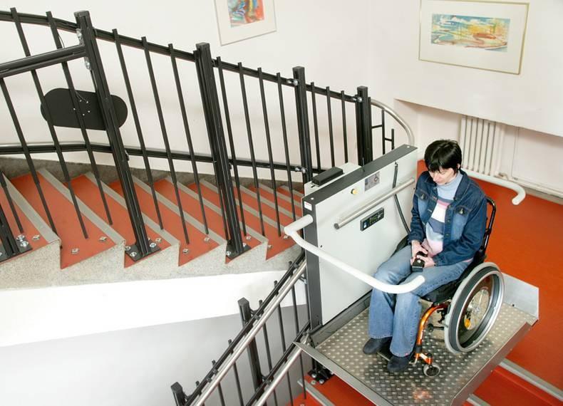 Platformy schodowe dla niepełnosprawnych