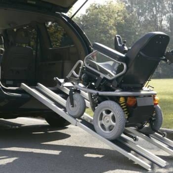 Podjazd dla wózka do samochodu